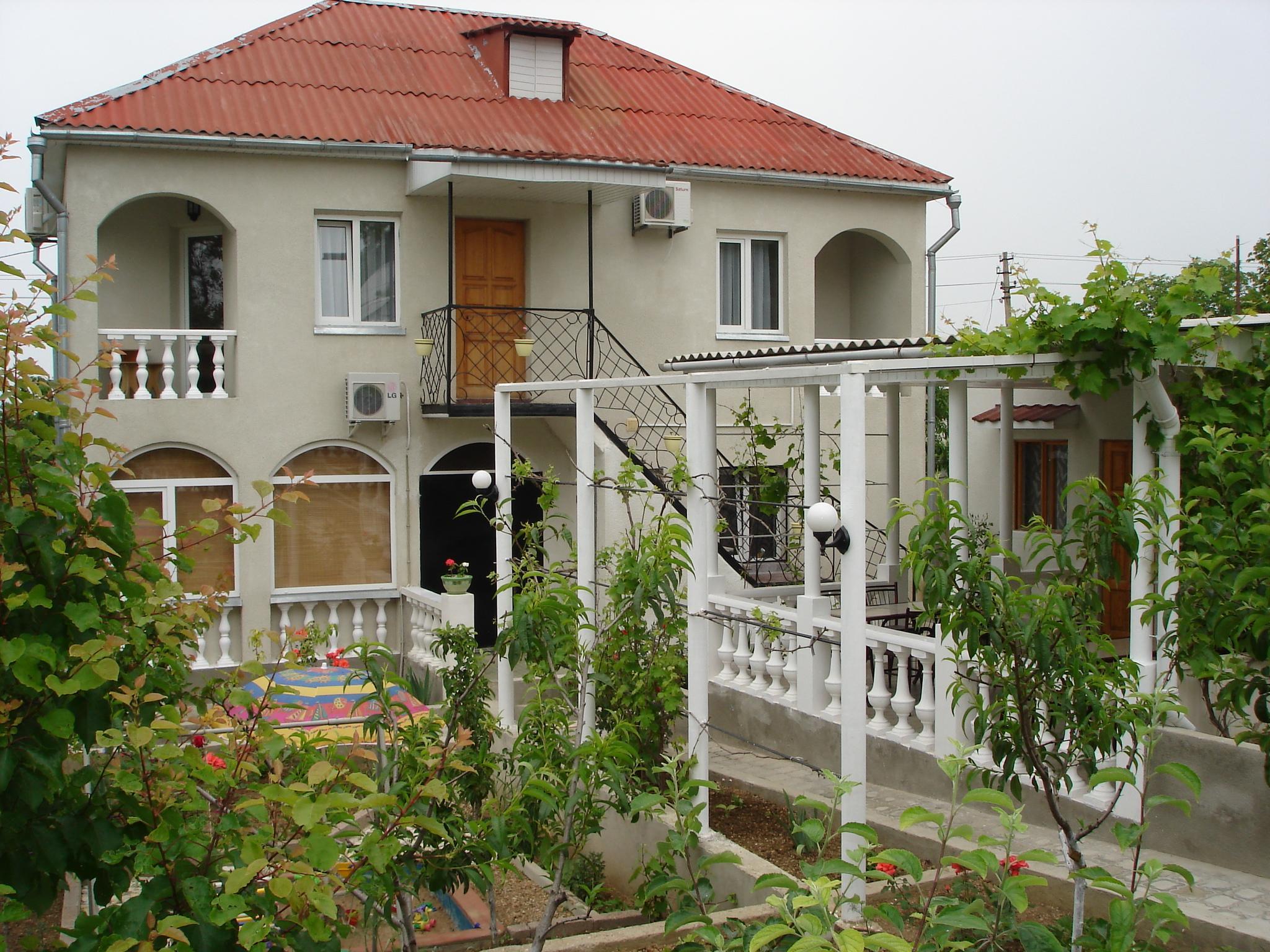 Гостевой дом Учкуевка Вишнёвая 2